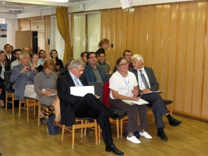 közönség 2
