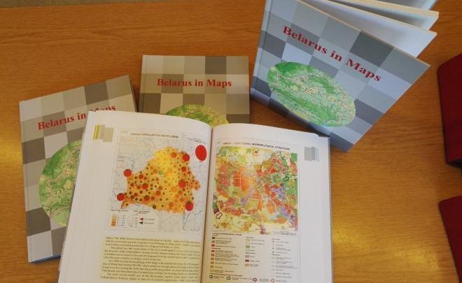 Belarus in Maps, a CSFK Földrajztudományi Intézet angol nyelvű atlasza – háttérkép a Belaruszban zajló eseményekhez